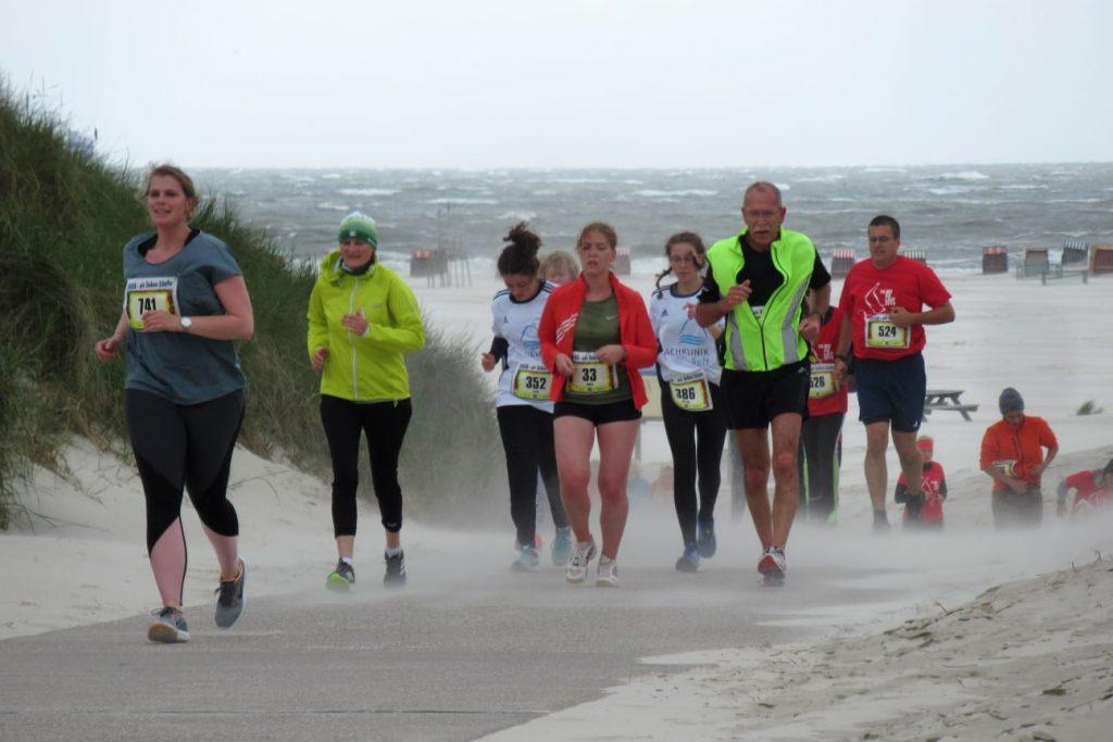 Strandübergang Nebel bei Windstärke 8